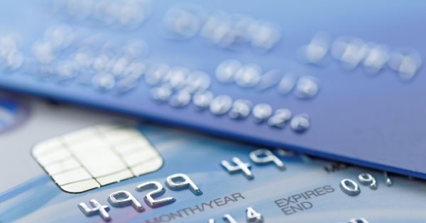 How To Keep Yourself Out of Credit Card Debt